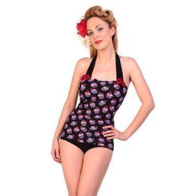 Cosa c'è di meglio di un costume da bagno in stile vintage? Un costume da bagno in stile vintage coperto di cupcake... cake design anche in spiaggia!