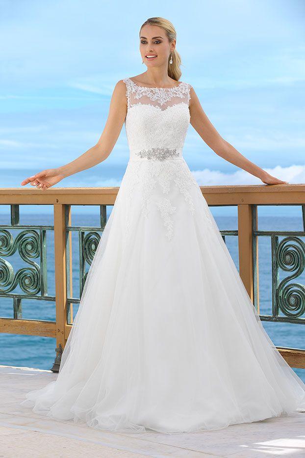 Ladybird Brautkleid 34011 besticht besonders durch seinen Gürtel mit ...