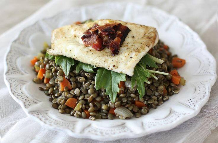 Umbrian lentils with olive oil and a fried egg on top.