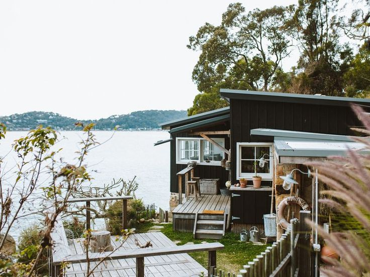 The Little Black Shack, a Great Mackerel Beach Cottage | Stayz