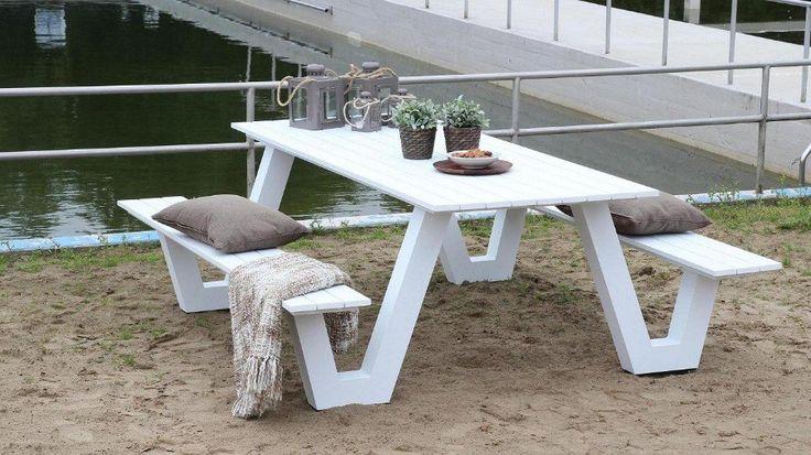 Design Picknicktafel Uit Aluminium In Kleur Wit En Grijs te Koop Aangeboden op Tweedehands.net