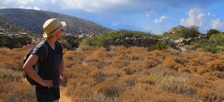 Walking towards the remote bay of Varvarousa