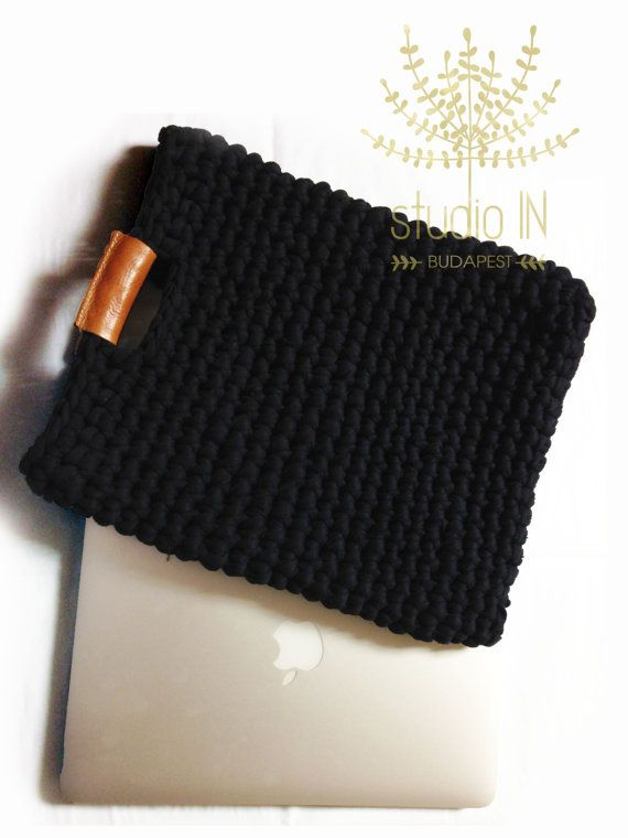Crochet bag with real leather handles, crochet laptop case, trendy crochet bag, real leather and chunky crochet handbag,