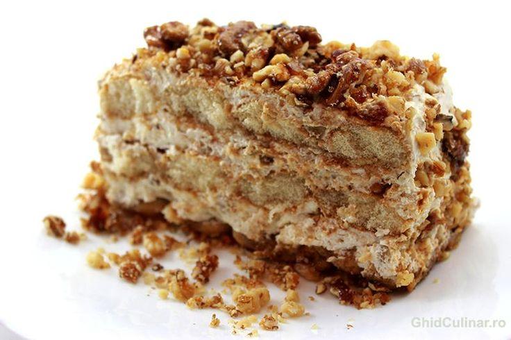 Un desert fin, putin crocant dat de nucile caramelizate si moale la interior datorita cremei mascarpone.