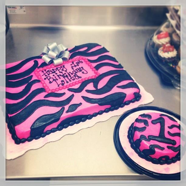 #ShareIG Zebra print for first birthday. #zebraprint #hotpink #firstbirthday #birthdaycake #birthday #walmartbakery #cakedecorator #walmart #smashcake #buttercream #silverbow