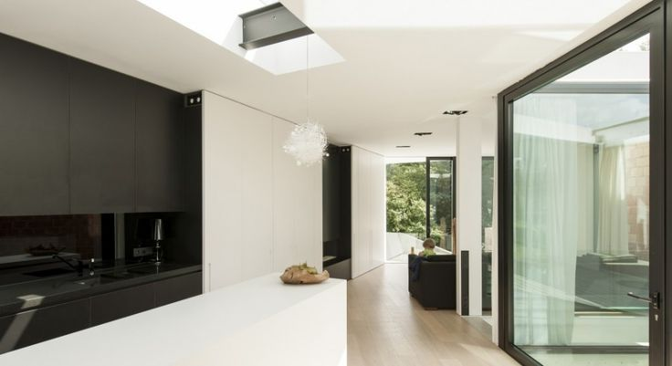 Exterior:Bright Living Space Interior Decor With White Painted Ceiling And Wall Completed By Glass Windows In Free Home Design Modern Exteri...