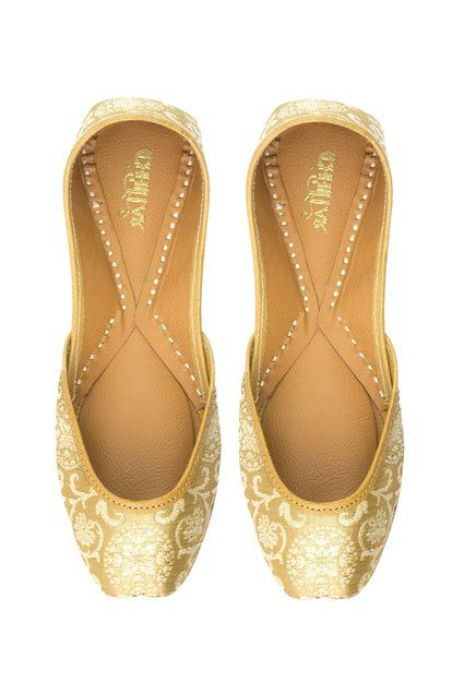 Golden Glow Pure Leather Juttis Preview