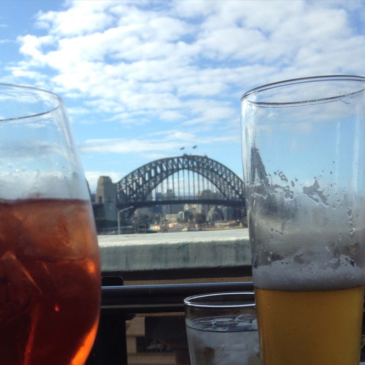Sydney Cafe. Cafe with a view