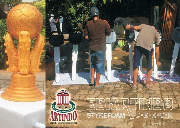 Pembuatan Replika Piala Torabika Bhayangkara CUP 2016