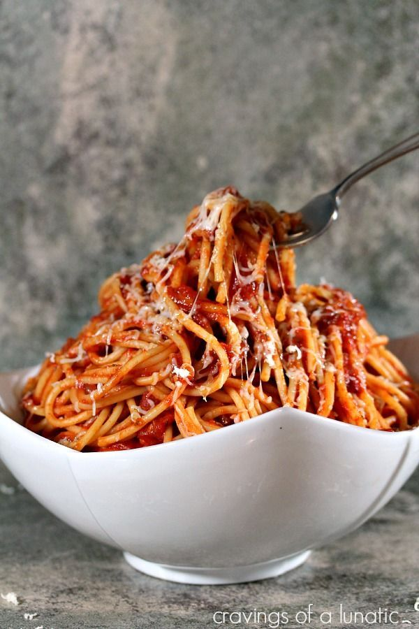 Bucatini all'Amatriciana. Simple recipe for classic pasta that will rock your world. Make a giant batch today! #pasta #dinner