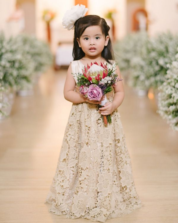 Adorable Lace Flower Girl Dress | http://brideandbreakfast.ph/2015/05/12/blooming-and-beautiful/ | Photography: Toto Villaruel