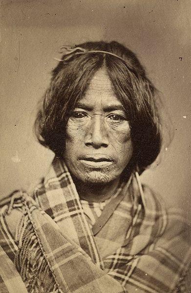 Tā moko <> Maori woman; between 1860 and 1879