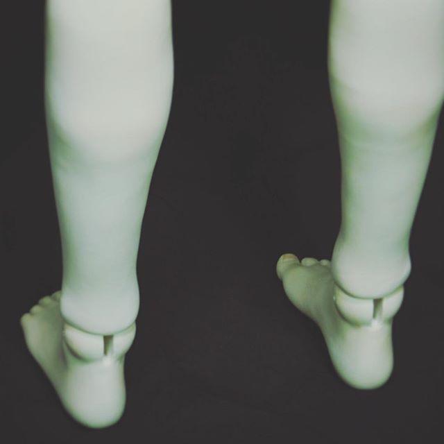 関節も日々相談    #傀儡楼#球体関節人形#関節#balljointeddoll#doll#dollstagram#bjd#handmade#oneofakind#art#craft#wip#workinprogress#Muneca articulada esferica #Poupee articulee