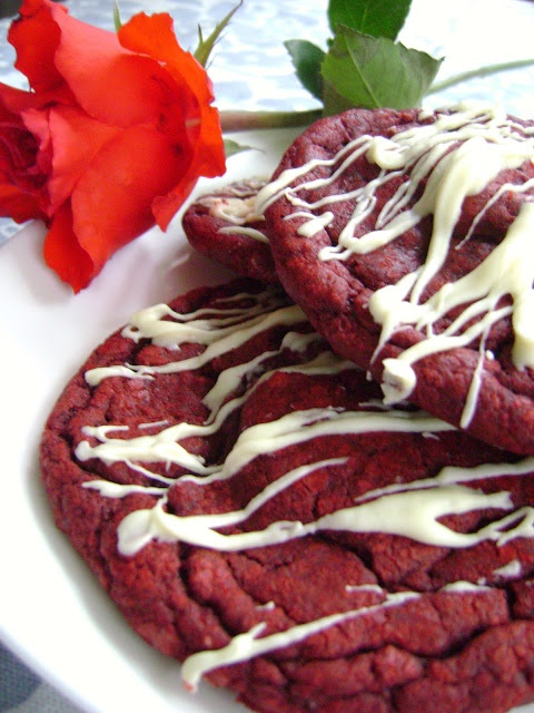 Red Velvet Cheesecake Cookies | Foooooood and Drinks | Pinterest