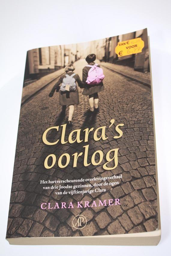 Ik heb dit boek in 1 ruk uitgelezen. Kon gewoon niet stoppen met lezen. Clara is een Pools joods meisje wat met haar familie onderduikt bij een Duits gezin. Meer als 60 jaar later vertelt ze haar verhaal in de vorm van dit boek. Dit verhaal is waargebeurd al is het wel in een roman vorm geschreven maar ze heeft fragmenten uit haar dagboek verwerkt in het boek. De tweede wereld oorlog blijft mijn interesse houden en vandaar dat ik ook dit boek gekocht heb. In ieder verhaal wat ik lees blijven…