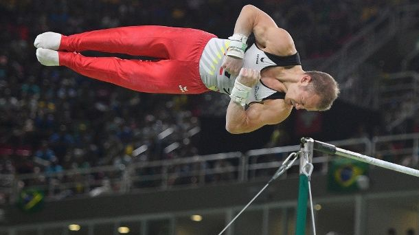 Fabian Hambüchen, Tyskland vann guld i herrarnas räck (art. gymn.) 15.766, silver Danell Leyva, USA 15.500, brons Nile Wilson, Storbritannien 15.466.
