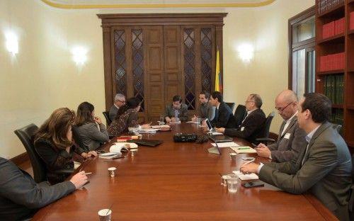 El ministro Juan Fernando Cristo se reunió con la Misión Electoral Especial imagen 2