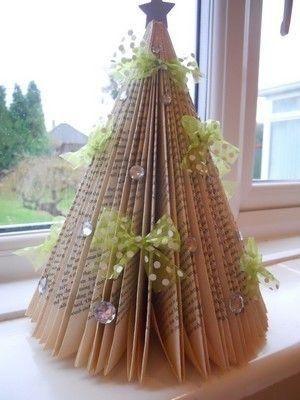 10 alberi di Natale realizzati con i libri by tamera