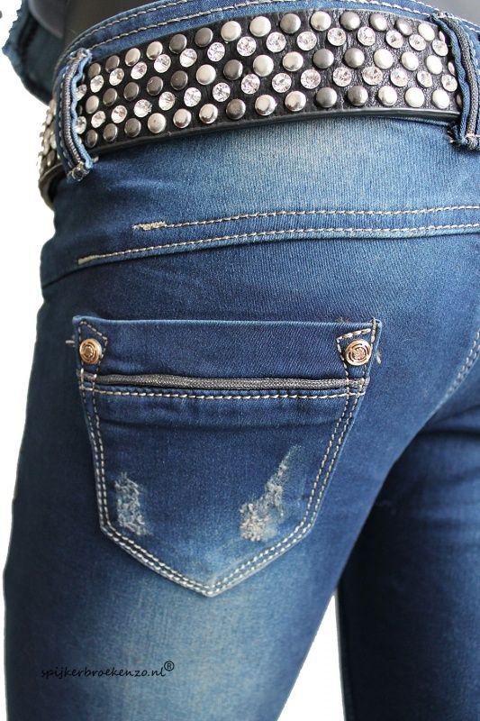 Jeans skinny style €49,95!