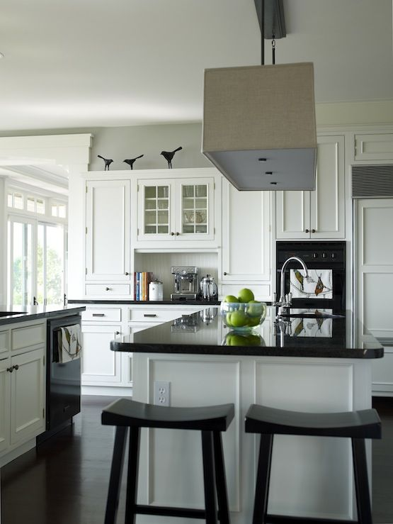 Kitchen w/black countertops