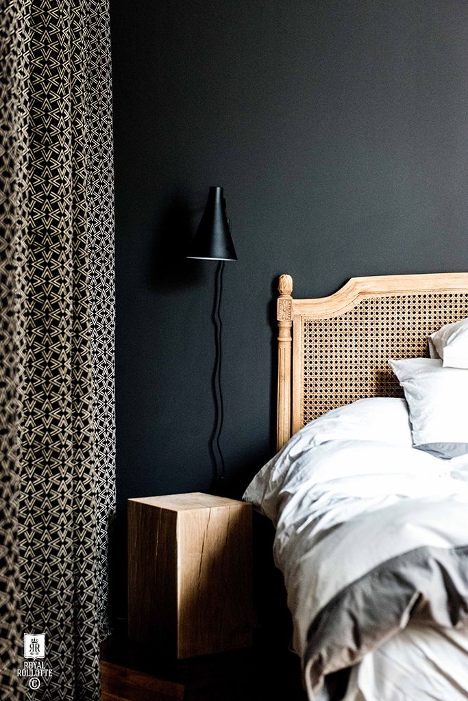 Schlafzimmer Einrichten Dunkle Wandfarbe Dunkelblau Grau