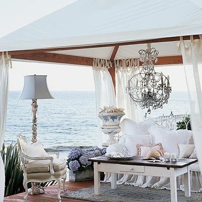 Great use of outdoor space, Bring the indoor, out!