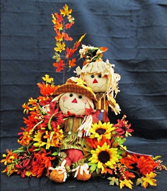 fall scarecrow floral arrangements a - Fall Halloween Decorations