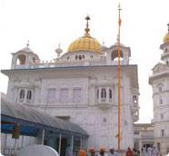 Amritsar Gurudwara Tour – Half Day with Harmandir Sahib + Baba Atal Sahib + Shahida Sahib Amritsar / Punjab