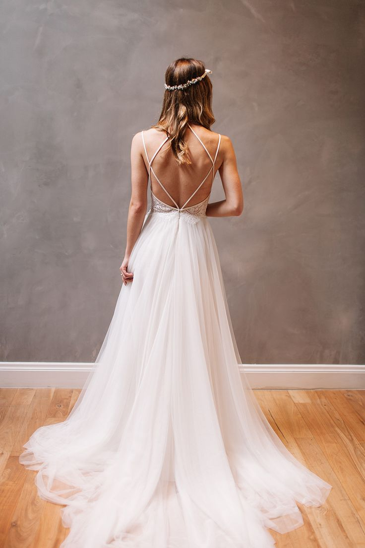 Spectacular boho long sleeves wedding dress with open back