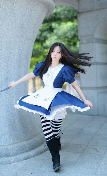 Alice by AngelicSugar.deviantart.com