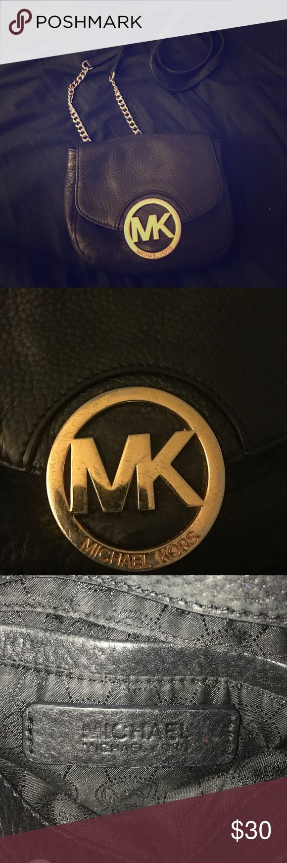 Michael kors side purse Used Michael Kors side purse. Compliments any outfit! Slightly worn on the black strap and small scratches on the MK emblem. But still in great condition! KORS Michael Kors Bags Satchels