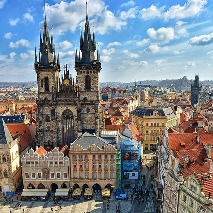 Wow - there's just something so magical about this city! If you've been to #Prague you know what I'm talking about and if you haven't - WHAT ARE YOU WAITING FOR  --------------------------------------------------------- Everything you need to know about Prague:  Where to stay: http://ift.tt/2e10jvl  What to do: http://ift.tt/2d80PBs  What is your favourite thing to do in Prague?  Photo: @b.ivan_