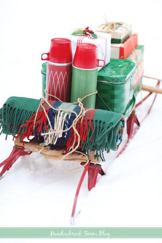 Meadowbrook Farm: Sleigh, Picnic basket, vintage thermos, blankets