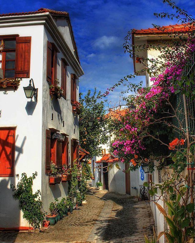 Fotoğraf sahibi : @a.c.r.l_photography Seferihisar , Sığacık , İzmir Tag #exploreizmir  . . . #izmir #konak #alsancak #cesme #alacati #bornova #buca #karsiyaka #bostanli #ankara #istanbul #adana #izmirdeyasam #bodrum #karaburun #cityofizmir #basmane #turkey #foca #yenifoca #dikili #goztepe #ilica #deniz #kumru #guzelyali #urla #ege