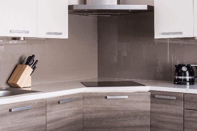 L字キッチンのコーナーにコンロを配置 L型キッチン リフォーム 費用 キッチン