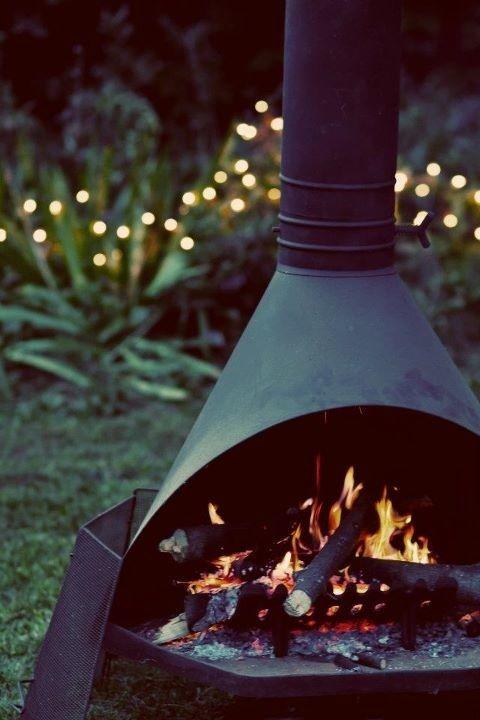 Lovely Garden Fireplace! Kijk voor leuke vuurkorven, trendy vuurschalen of voordelige terrashaarden snel op www.vuurkorfwinkel.nl
