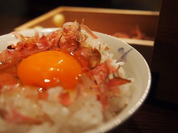 代々木上原にある土鍋ご飯のお店「おこん」のご主人・小柳津大介さんに聞いた、土鍋を使った正しい、美味しいご飯の炊き方の紹介。