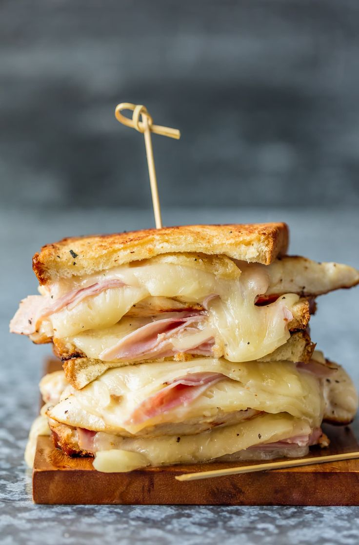 This GRILLED CHICKEN CORDON BLEU SANDWICH is so easy and ...736 x 1115 jpeg 92 КБ