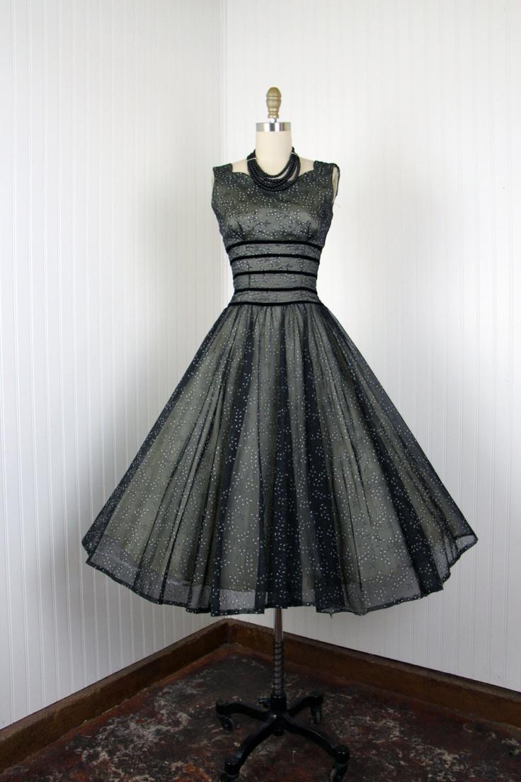 31 best 50s images on Pinterest | Fashion vintage, 1950s dresses and ...