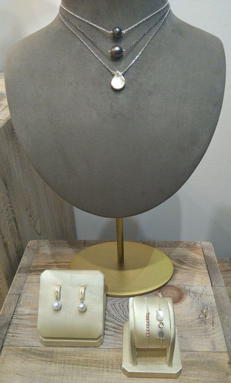 Joaillier : Francesco Truscelli chez Bianina atelier boutique - collier, bracelet et boucles d'oreilles argent et perles de culture