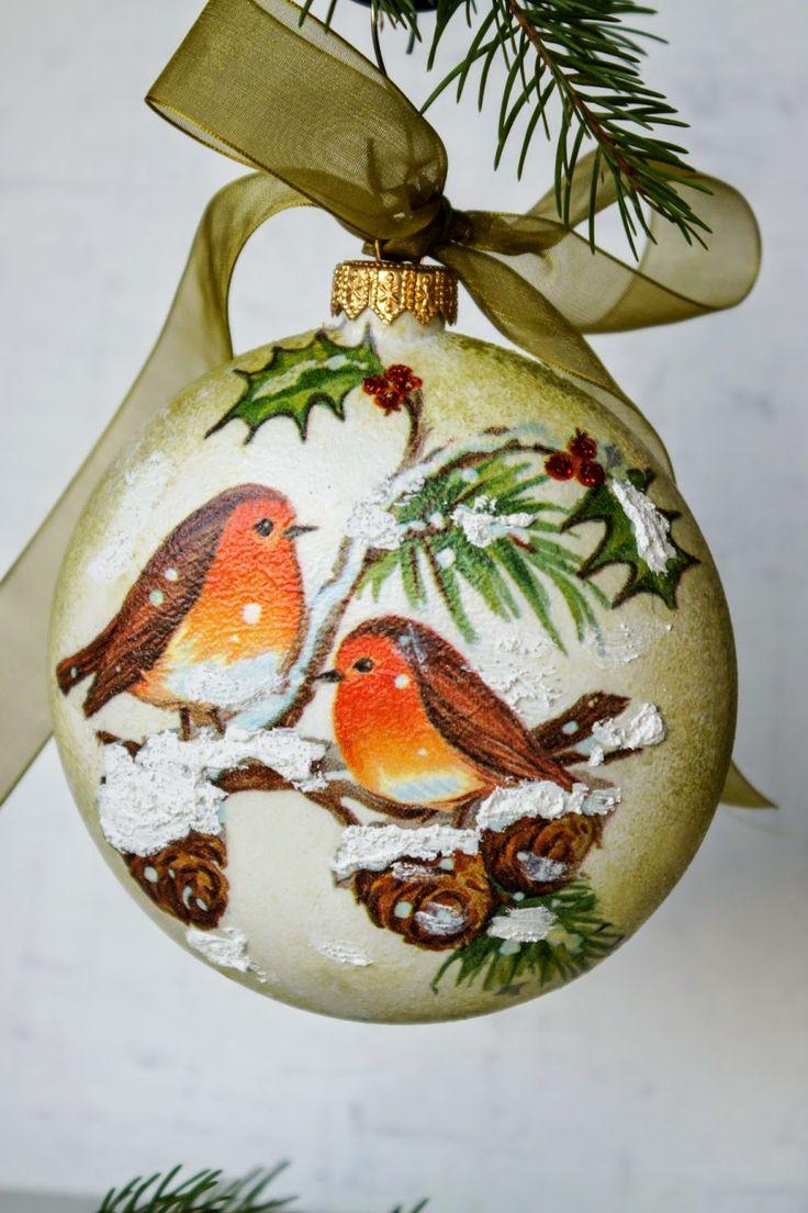 bombka świąteczna bożonarodzeniowa decoupage - ptaszki  birdies decoupaged on a christmas bauble