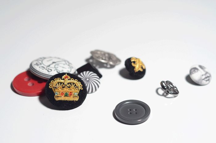 A handful of buttons from my collection. Read the button post at www.duellingdesigns.com