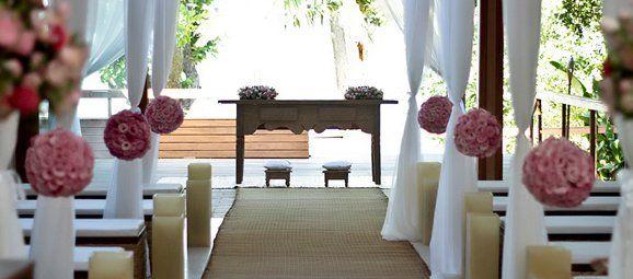 Mara Perez é especialista em decoração para casamento na praia