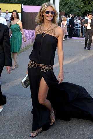 Elle Macpherson in YSL - I love being curvy, but if I had to choose otherwise I'd choose the long, lanky, surfer-girl look of Elle McPherson.