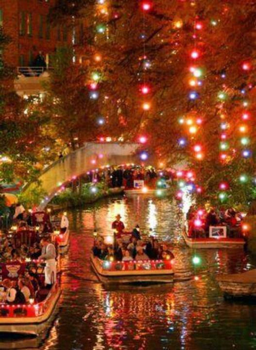 San Antonio River Walk, Christmas <3
