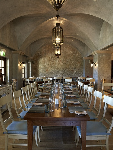 Eleon Restaurant: Traditional fare inspired by Greece's rich culinary heritage is presented with a modern flair #Restaurant #Traditional #Greece #CostaNavarino #Resort