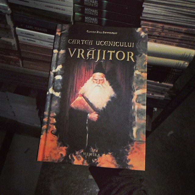 Cartea ucenicului vrajitor (2011) - o lectura magica pentru cei mici si o carte plina de insighturi in psihoogia gandirii mistice pentru adulti. http://goo.gl/ZWfFrI