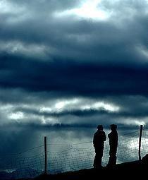 """#CARTAS DE #DESAMOR (http://www.palabrasalacarta.com/#!cartas-de-desamor/cklf)  """"...Hoy siento que necesito interponer una tierra de nadie entre los dos. Un tiempo. Te pido, amor, un tiempo..."""" www.palabrasalacarta.com"""