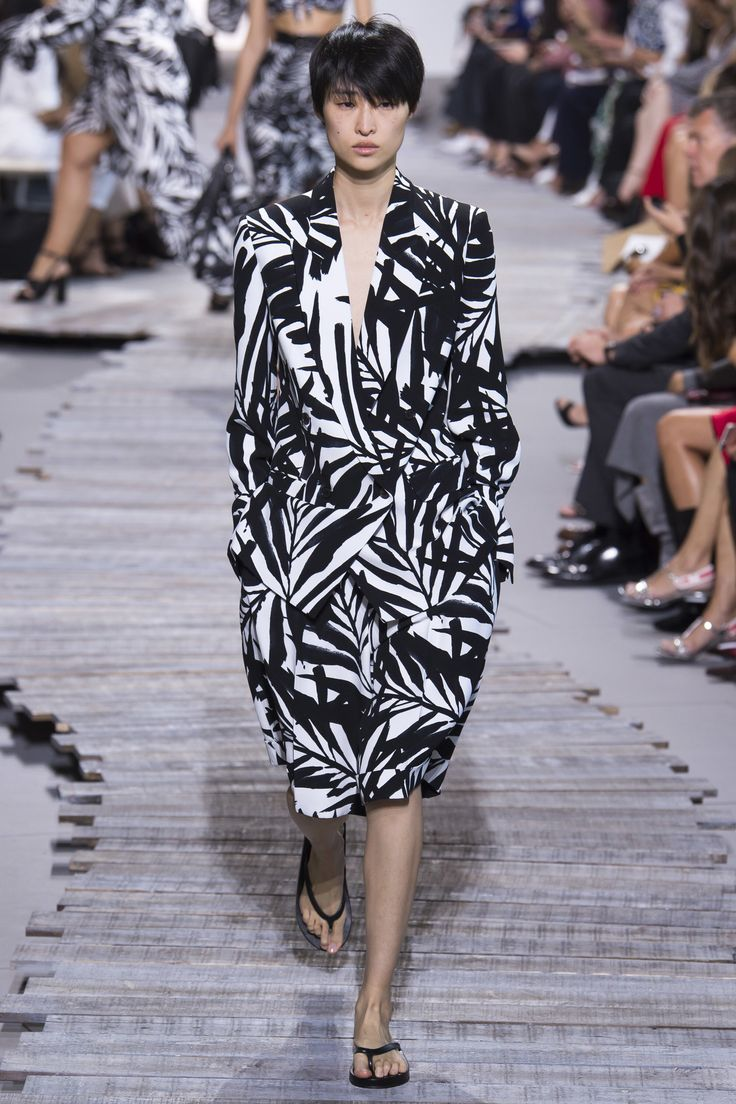 Michael Kors Collection Spring 2018 Ready-to-Wear  Fashion Show Collection