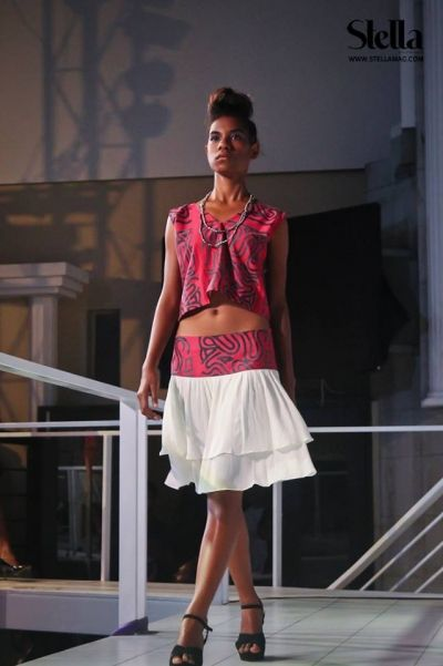 Mini Top And Skirt By Aa Tribal Fashion By Anna Amos Of Papua New Guinea Papua New Guinea Fashion Pinterest Tribal Fashion Anna And Minis